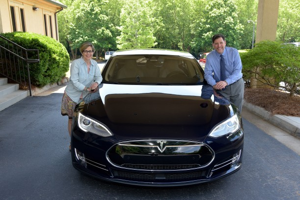 Jeff Bev Tesla Side Lean View 06020217